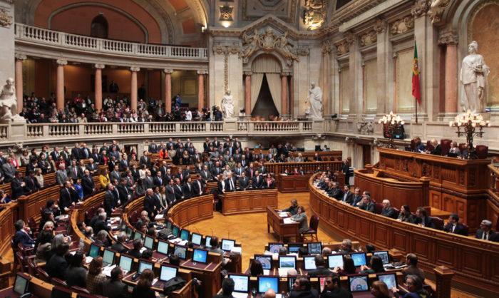 Vitória para os direitos humanos em Portugal: identidade de género passa a constar do Código do Trabalho