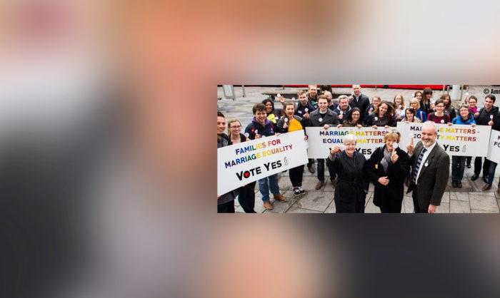 """Irlanda faz história com vitória do """"Sim"""" no referendo ao casamento entre pessoas do mesmo sexo"""