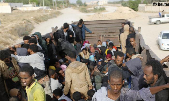 Abusos horríveis na Líbia estão a forçar os migrantes a arriscarem a vida na travessia do Mediterrâneo