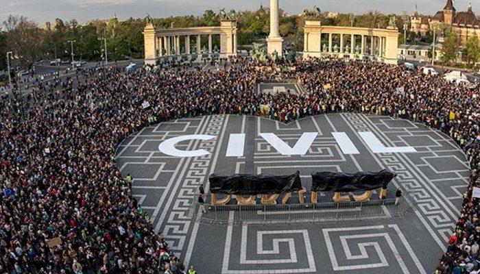 Voto europeu histórico tem de ser o princípio do fim da repressão na Hungria