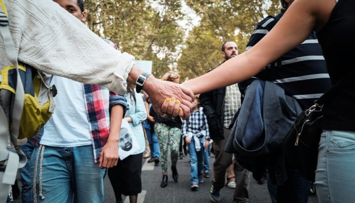 Polónia: Projecto de lei poderá violar os direitos de professores e alunos e reforçar a homofobia