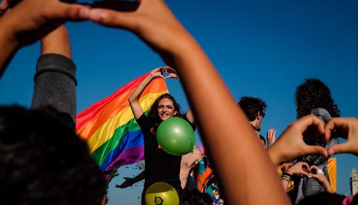 Amnistia Portugal entrega petição na embaixada da Rússia pela proteção de homossexuais na Tchetchénia