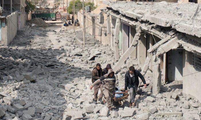 Batalha entre coligação EUA, forças iraquianas e o Estado Islâmico cria catástrofe para os civis em Mossul