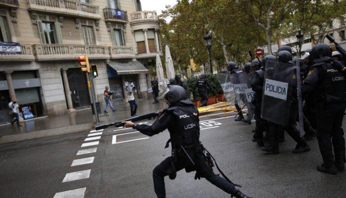Guardia Civil e polícia nacional espanhola fizeram uso excessivo da força na Catalunha