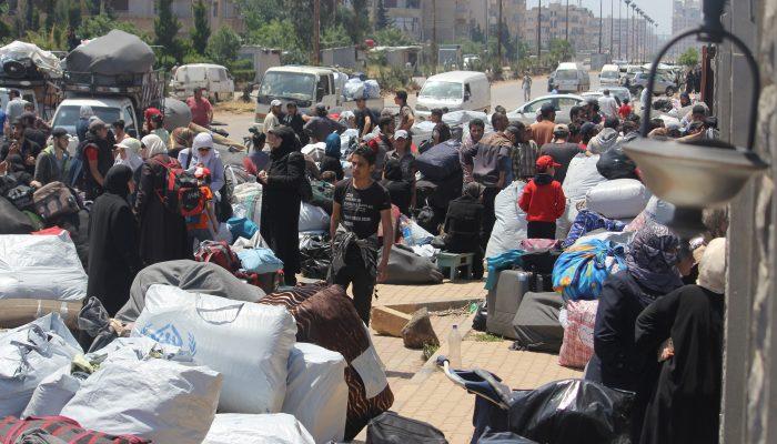 """Estratégia de """"rendição ou morte à fome"""" desloca à força milhares de civis na Síria e constitui crime contra a humanidade"""