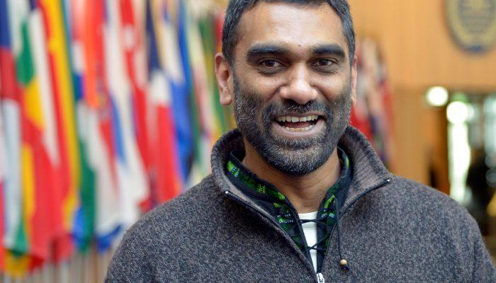 Amnistia Internacional designa Kumi Naidoo como próximo secretário-geral