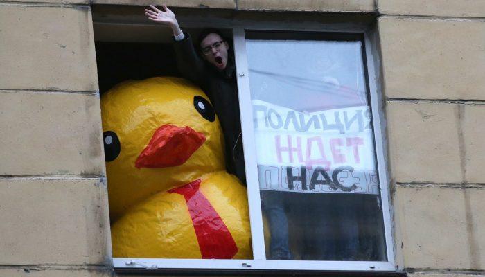 Ativistas da oposição na Rússia enfrentam repressão crescente