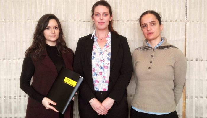 Amnistia Portugal entrega à Noruega pedido de milhares de vozes para que Taibeh Abbasi não seja deportada para o Afeganistão