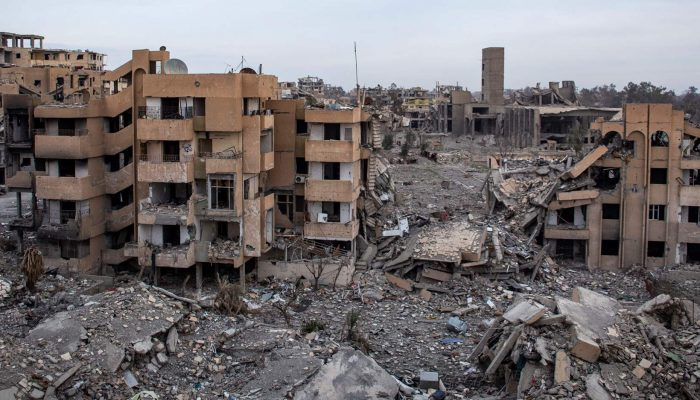 """Raqqa em ruínas e civis devastados na """"guerra de aniquilação"""" da coligação liderada pelos EUA na Síria"""