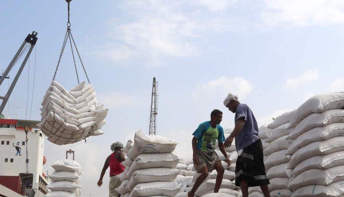 Iémen: Restrições ao fornecimento de bens essenciais colocam milhões de civis em risco