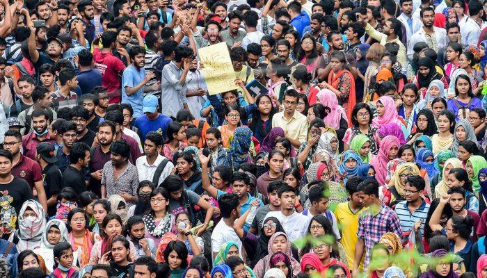Repressão violenta dos protestos no Bangladesh tem de cessar e fotógrafo ser posto em liberdade