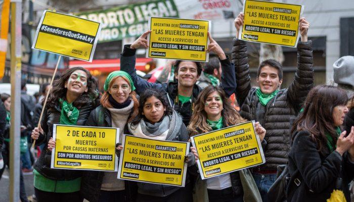 Senadores na Argentina desperdiçam oportunidade histórica com rejeição de legalização do aborto