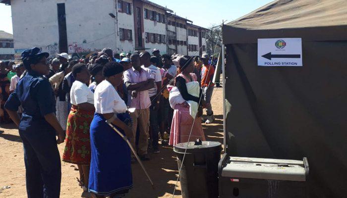 Conduta do Exército nas mortes que seguiram às eleições no Zimbabwe tem de ser investigada