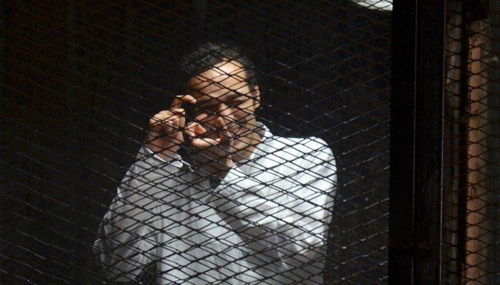 Fotógrafo egípcio Shawkan condenado a cinco anos de prisão em julgamento vergonhoso