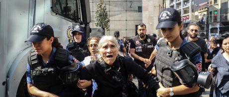 Familiares dos desaparecidos na Turquia devem ser respeitados , não atacados!