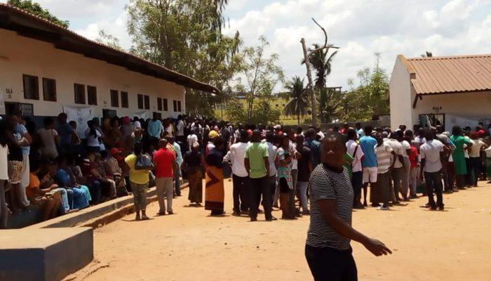 """Jornalistas e ativistas em Moçambique visados com ameaças de morte e intimidação em """"caça às bruxas"""" pós-eleitoral"""
