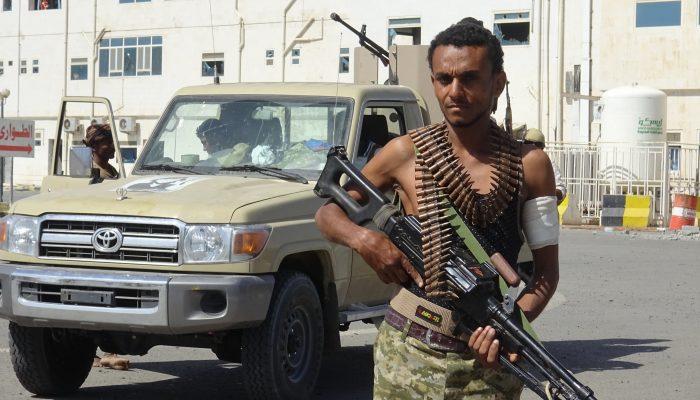 Iémen: EAU fornecem irresponsavelmente manancial de armas ocidentais a milícias