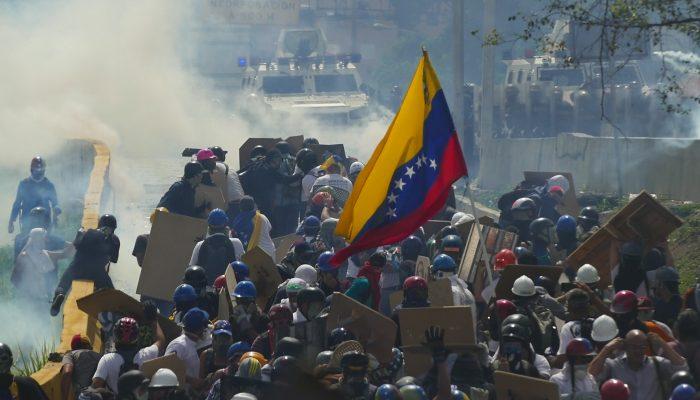 Venezuela: Crimes contra a humanidade exigem resposta a uma só voz