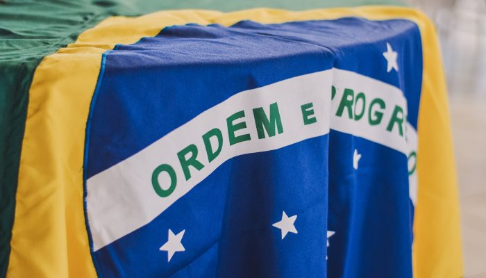 Brasil: Bolsonaro passa da retórica à prática
