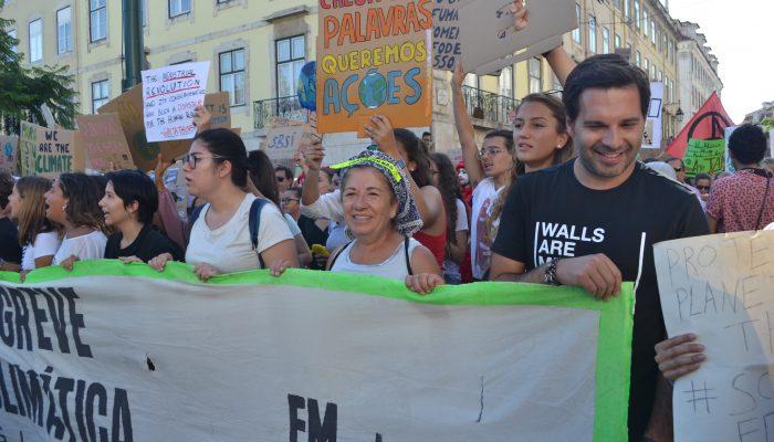 Milhares nas ruas pelo futuro do planeta