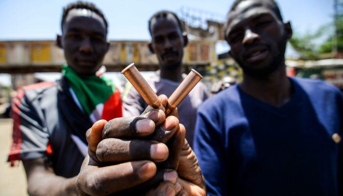 Sudão: Responsáveis pela morte de manifestantes seguem impunes