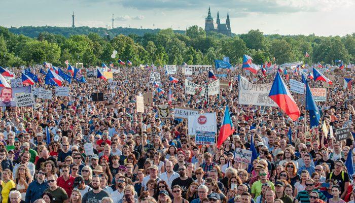 Europa: Direitos e independência judicial em causa levaram milhares de pessoas às ruas
