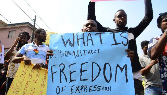 África: Conflitos armados e repressão alimentam violações de direitos humanos