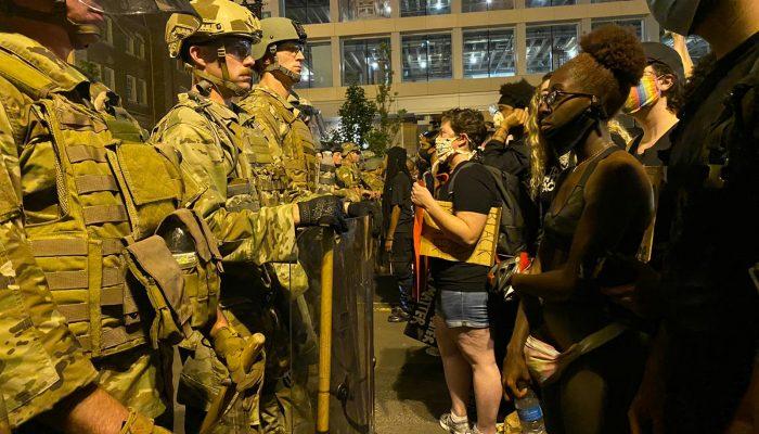 EUA: Ponto final à violência ilegal da polícia nos protestos contra o racismo