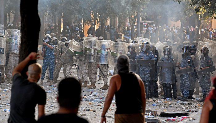 Líbano: Exército e forças de segurança atacaram manifestantes desarmados