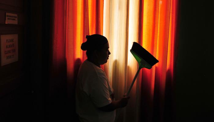 Qatar: Trabalhadoras domésticas partilham relatos angustiantes de abuso e exploração