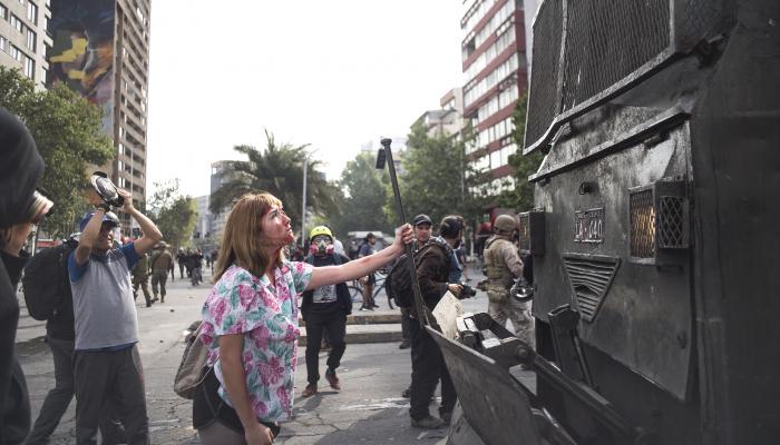 Chile: Comandantes da Polícia Nacional devem ser investigados por violações de direitos humanos