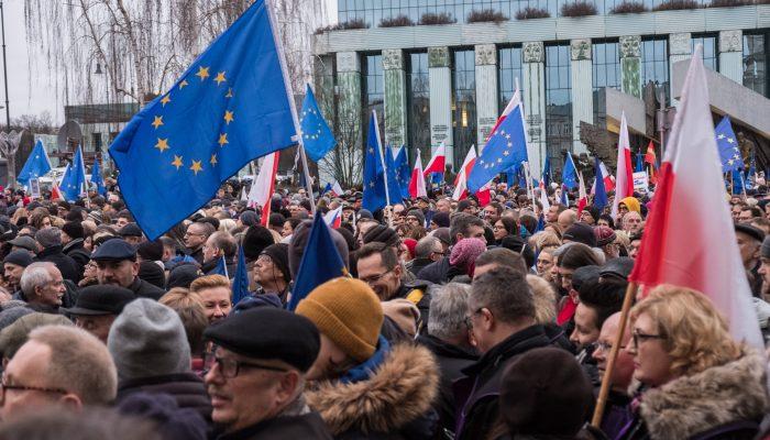 Direitos humanos devem estar no centro do mandato da presidência portuguesa da UE