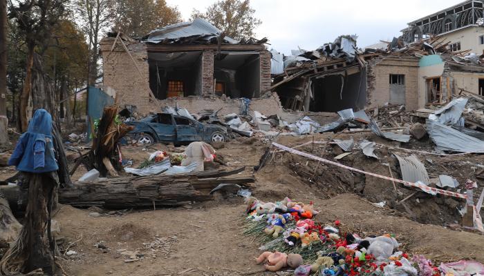 Arménia/Azerbaijão: Civis mortos pelo uso indiscriminado de armas em Nagorno-Karabakh