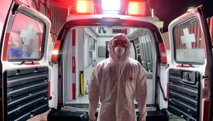COVID-19:17 mil profissionais de saúde morreram em 2020