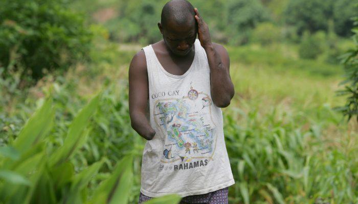 Serra Leoa: Governo e doadores devem priorizar saúde mental para enfrentar o legado da guerra e da epidemia de Ébola