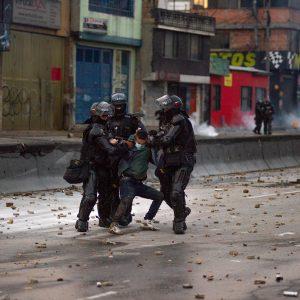 Fim à repressão na Colômbia
