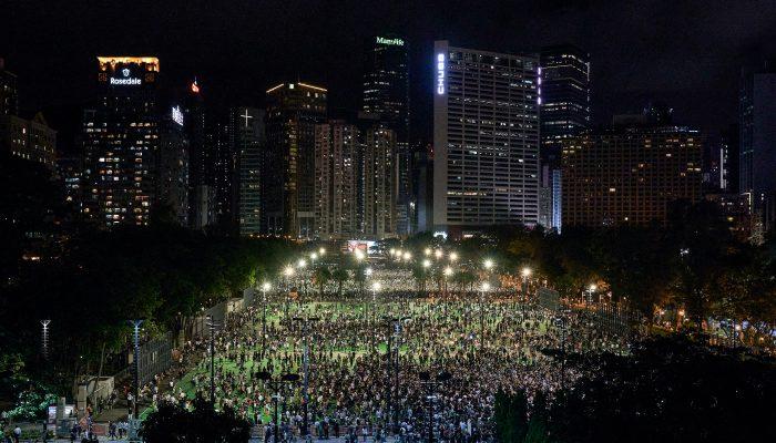 Hong Kong: População não deve ser punida por assinalar pacificamente aniversário de Tiananmen