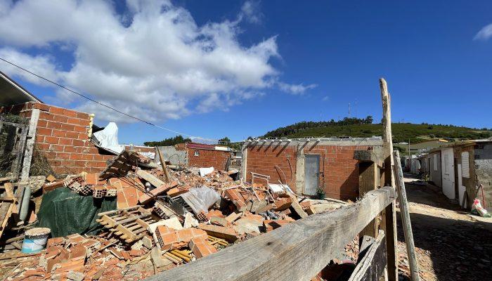 Demolição de habitações em Loures reforça urgência de ação no direito à habitação