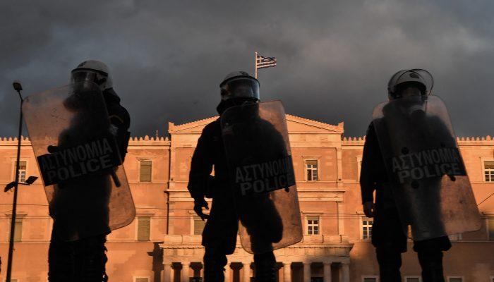 Grécia: Autoridades abusam de poder e desrespeitam direito à manifestação
