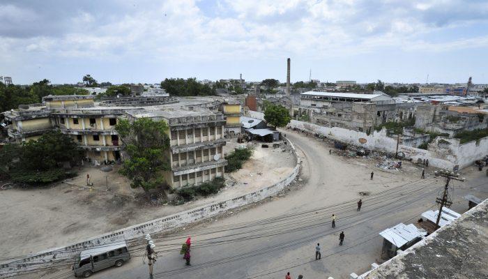 Somália: Resposta inadequada à COVID-19 requer perdão de dívida para investir na saúde