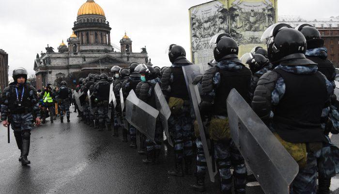 Rússia: Sem espaço para o direito à manifestação e reunião pacífica