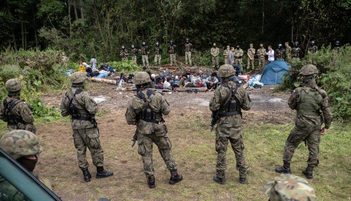 Polónia: retorno forçado de requerentes de asilo afegãos