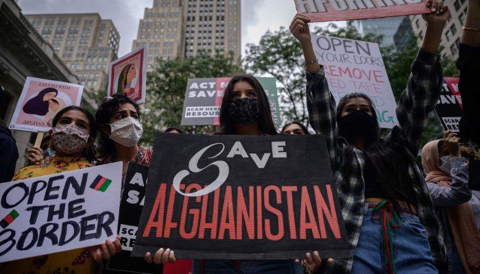 Afeganistão: Poucas rotas para a segurança dos afegãos